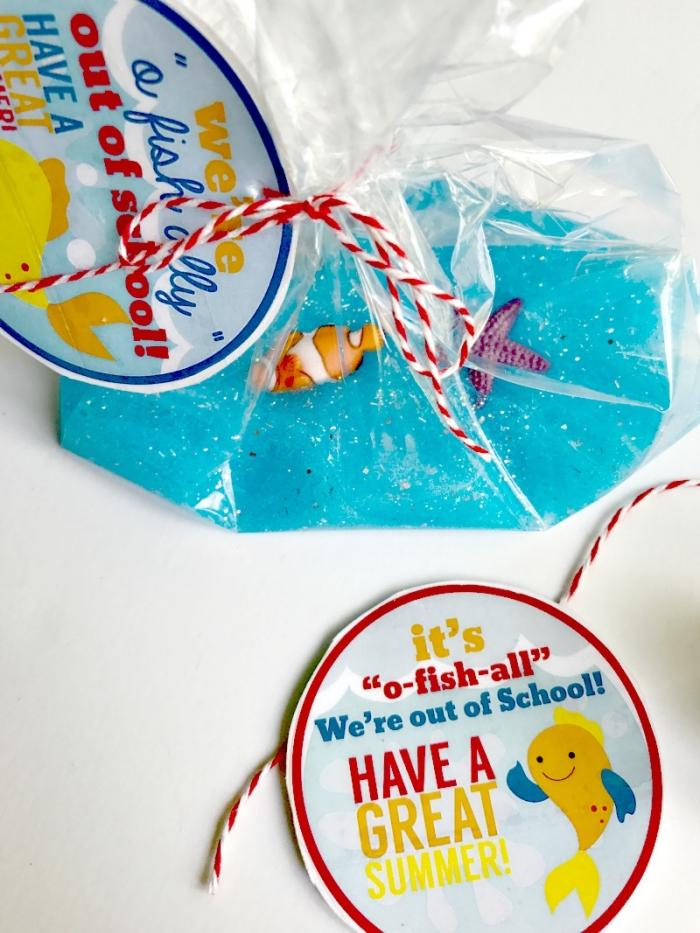 ideas de manualidades para hacer en casa con slime, pequeños detalles de slime para regalar