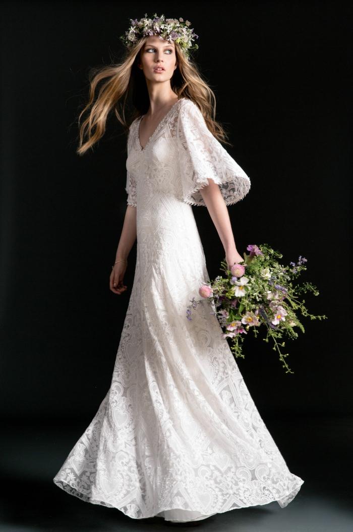 tendencias en la moda ibicenca 2018, vestido ibicenco boda para novia, vestido de encaje con mangas hasta el codo