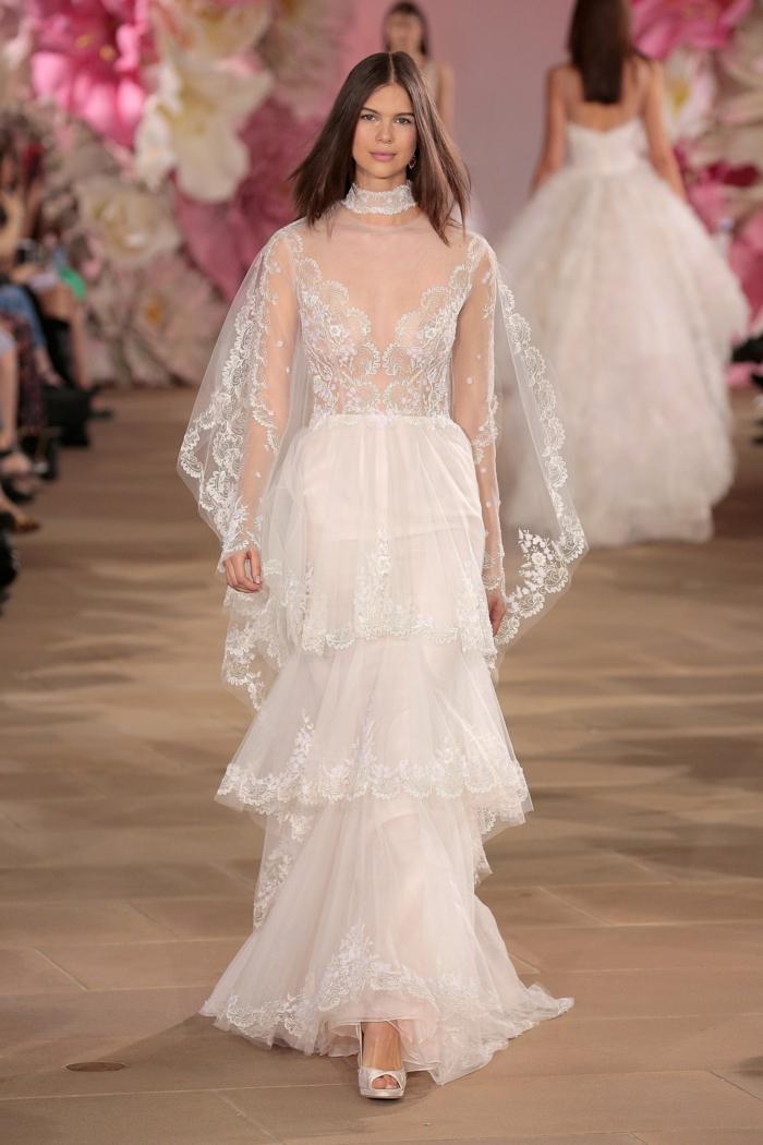 precioso diseño vestido falda en capas, parte superior transparente con detalles de encaje