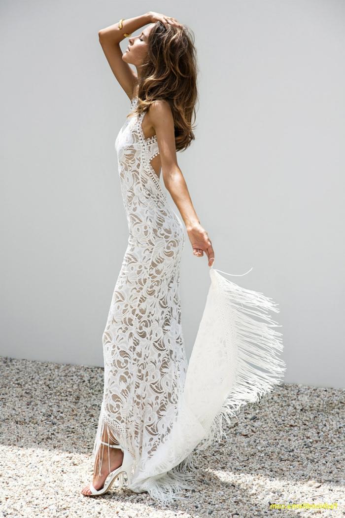 últimas tendencias en los vestidos de novia 2018 2019, vestido ibicenco boda super elegante de encaje