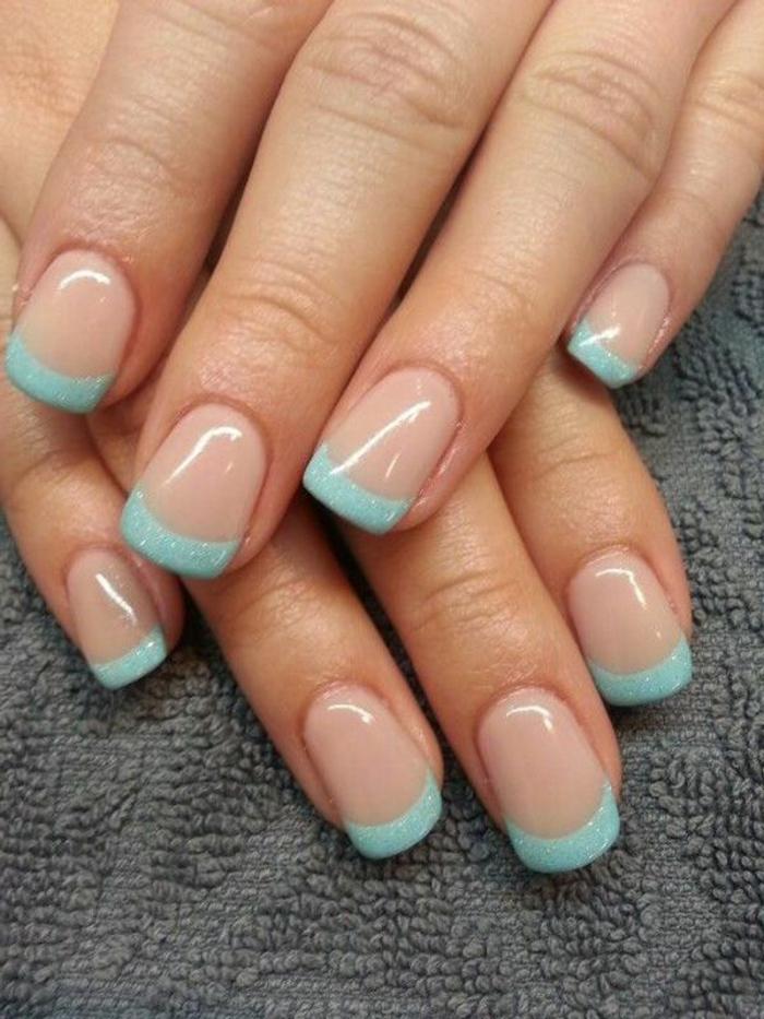 uñas manicura francesa con puntas en verde menta brillante, manicura moderna en colores de verano, diseño de uñas frances