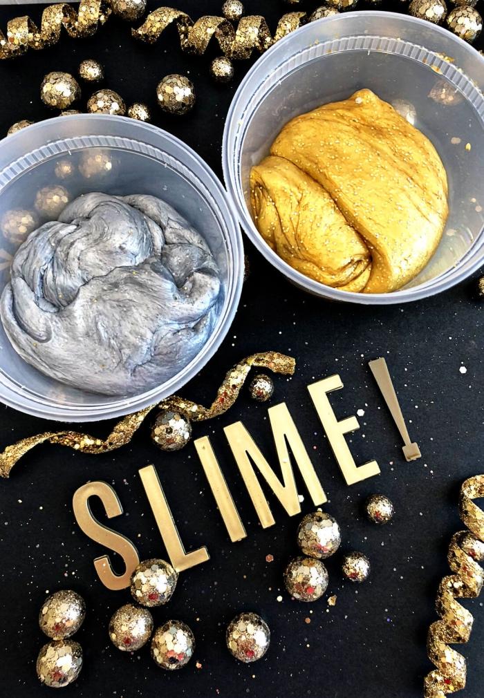 como hacer decoración con slime casero, slime en plateado y dorado, ideas de adornos navideños DIY