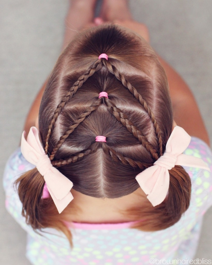 peinados faciles para niñas, pelo dividido en tres zonas en coletas con dos trenzas a cada lado