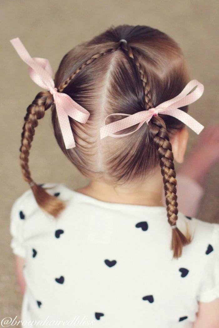 peinados para niñas de comunion, niña con dos coletas de trenzas finas con dos cintas rosas a cada lado