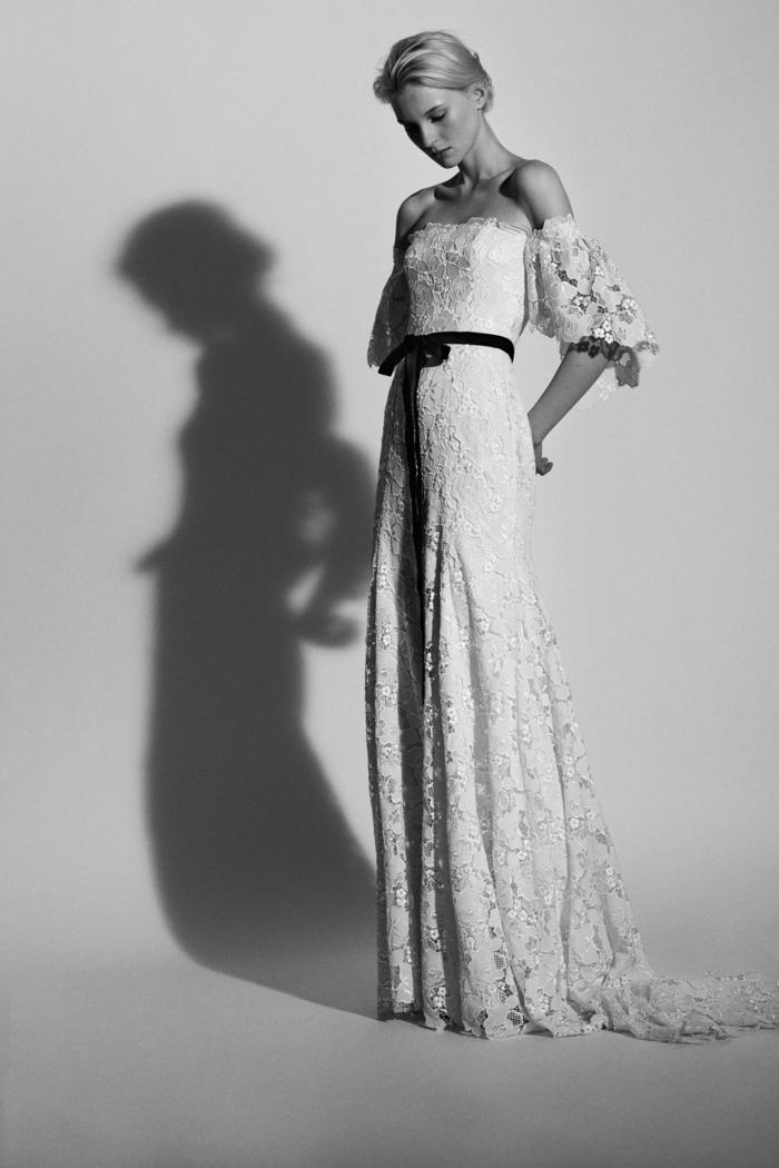 propuesta encantadora, vestidos ibicencos baratos 2018, vestido en blanco con cinta en negro en la cintura