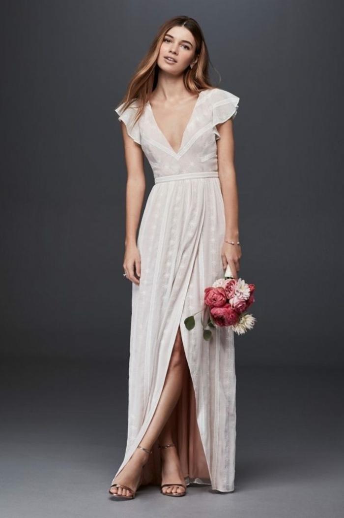 vestidos ibicencos baratos, vestido largo color champán de hendidura, mangas cortas y escote en V