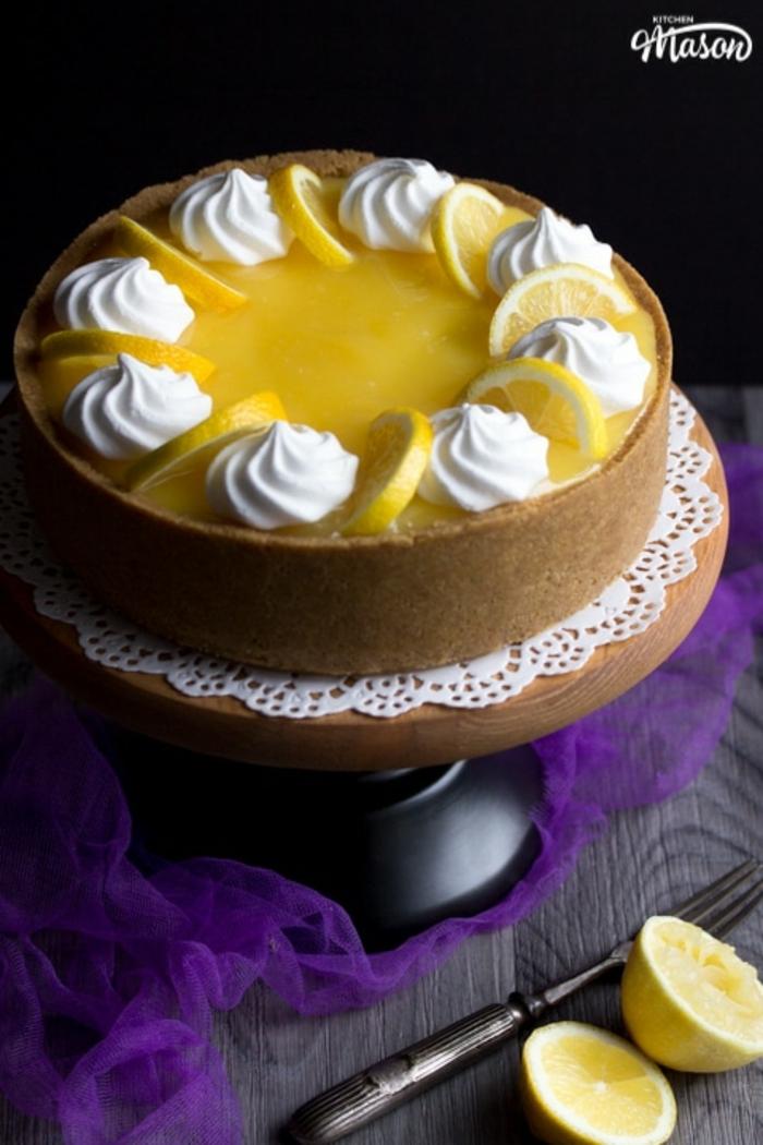tarta de queso sin horno de limón y crema mascarpone, recetas fáciles y rápidas de postres ricos