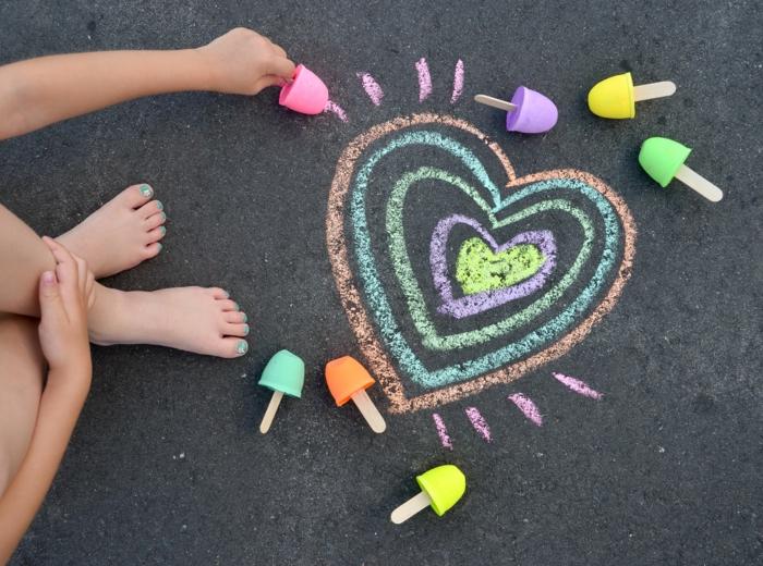 ideas de manualidades faciles y rapidas para niños y adultos tizas coloridas en forma de helado