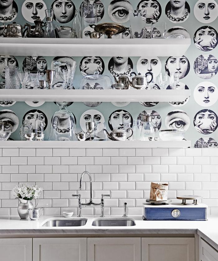 decoraciones para casas, vinilo en la pared con caras de mujeres en la cocina de casa, lavabo