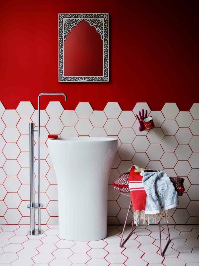 suelos ceramicos precios, mitad de la pared de color rojo, baldosas hexagonales blancas, marco oriental
