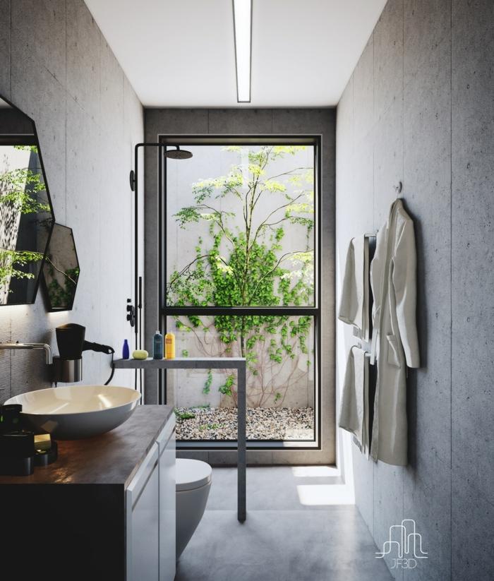 ideas de decoración baño gris y blanco, pequeño baño alargado con grandes ventanales, interior en blanco y gris