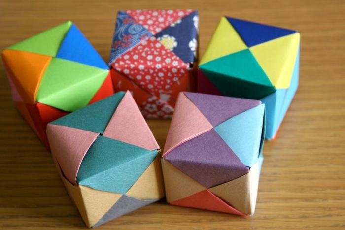 bonitas ideas de actividades y manuales para niños y adultos, origami facil paso a paso, cubos 3D en colores