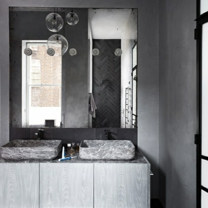 ejemplos de baños modernos decorados en gris, estilo rústico con lámparas modernas de diseño