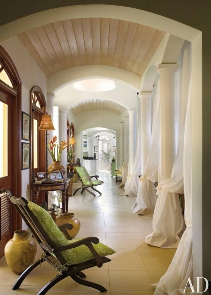ingeniosas ideas de decoracion de recibidores pequeños, espacio alargado decorado en estilo vintage