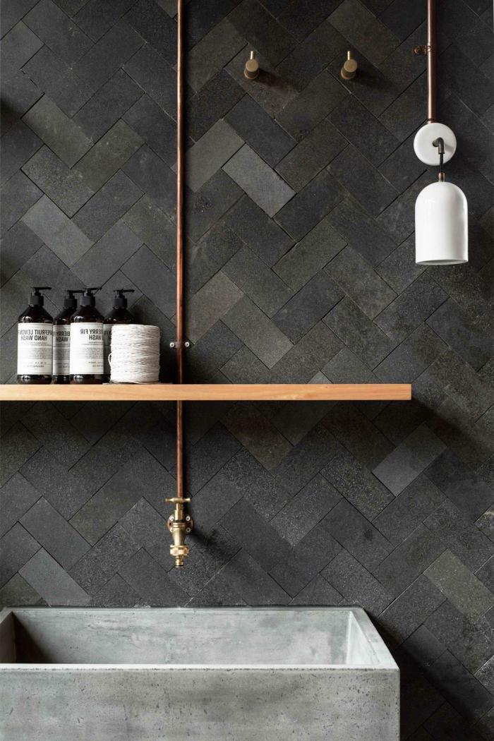 preciosos diseños de baños grises modernos, azulejos de diseño en los diferentes tonos del gris, lavabo de hormigón