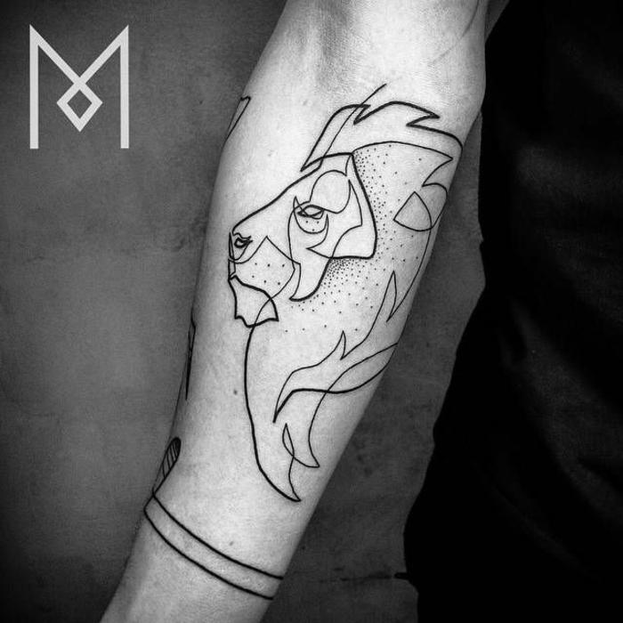 ideas de tatuajes en el antebrazo en fotos, tatuaje de un león, ideas de tatoos de una sola linea continua