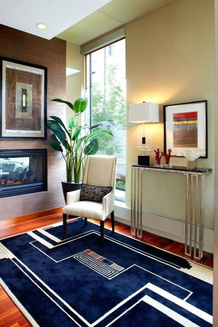 entraditas modernas decoradas de encanto, suelo de parquet con alfombra de terciopelo en azul y blanco