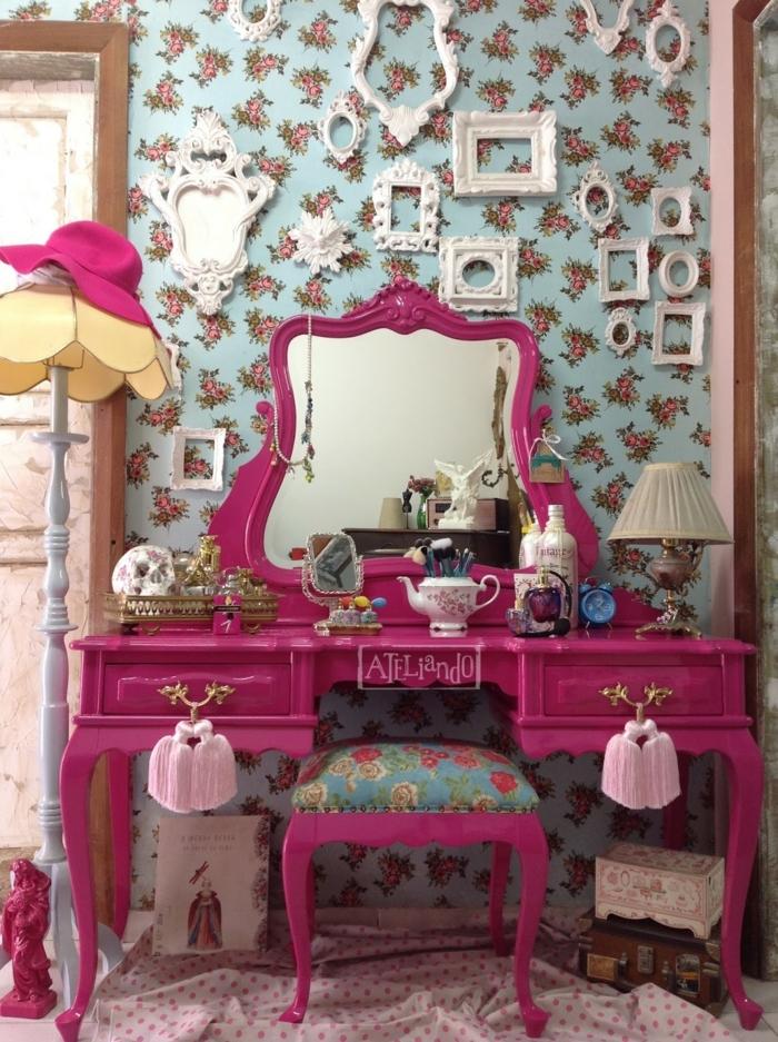 armario esquinero juvenil, mesa de belleza en rosa fucsia de estilo retro con espejo en ella y taburete