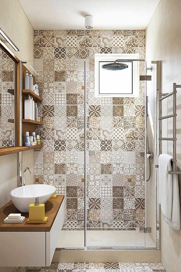 azulejos para baños, baldosas de figuras geométricas de colores beige y marron, ventana cuadrada
