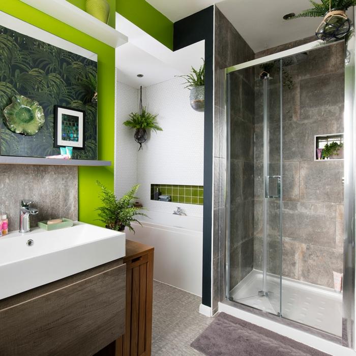 azulejos para baños pequeños, inspirados en Amazonia, con detalles en verde claro, negro y gris