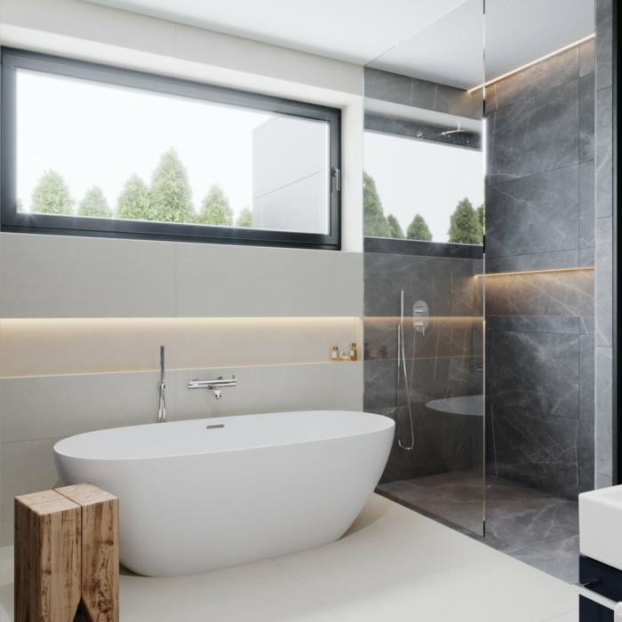 ideas de azulejos para baños pequeños en imágines, cabina de ducha con azulejos grises y bañera exenta