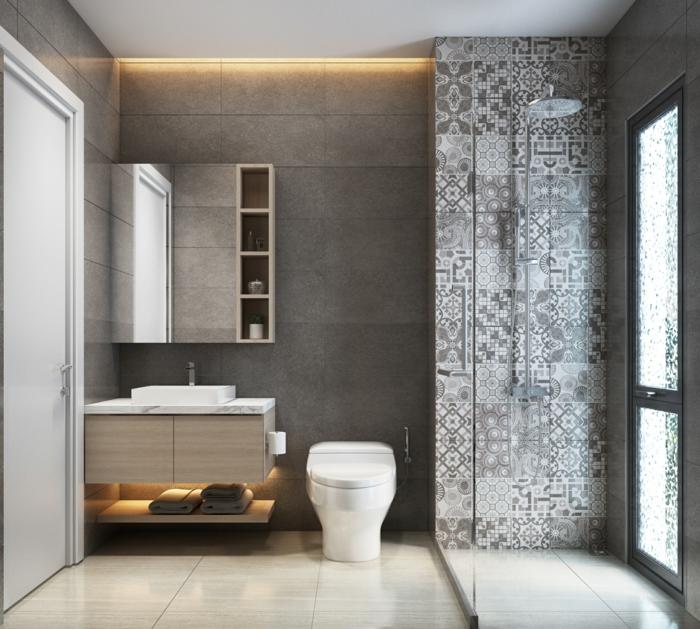 fotos de baños modernos decorados de diseño, azulejos mosáicos en gris y blanco, baldosas en beige