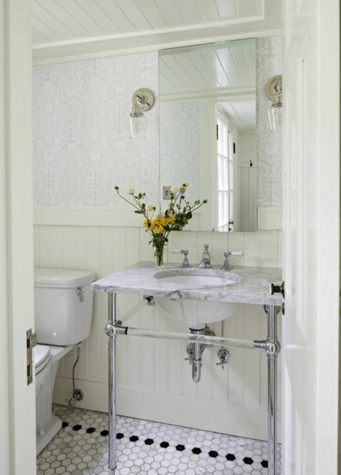 decoracion baños en blanco y gris, lavabo original, decoración de flores y azulejos de diseño