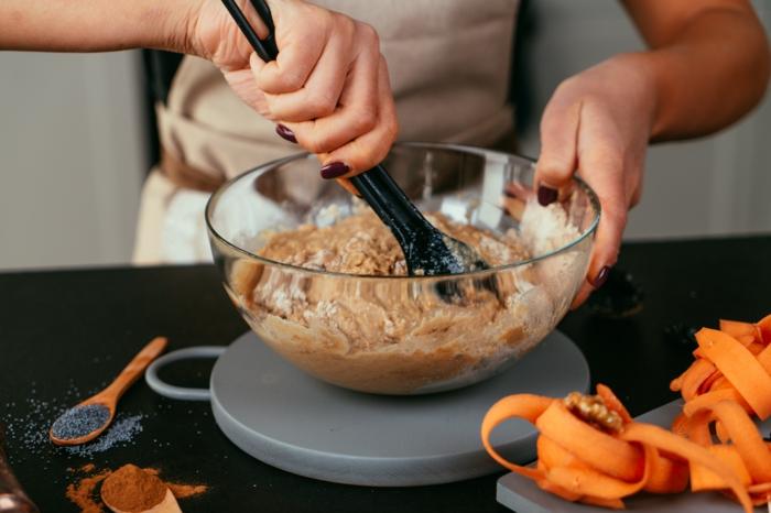 pasos para preparar bizcocho esponjoso en fotos, como hacer bizcocho de zanahorias esponjoso en imágenes