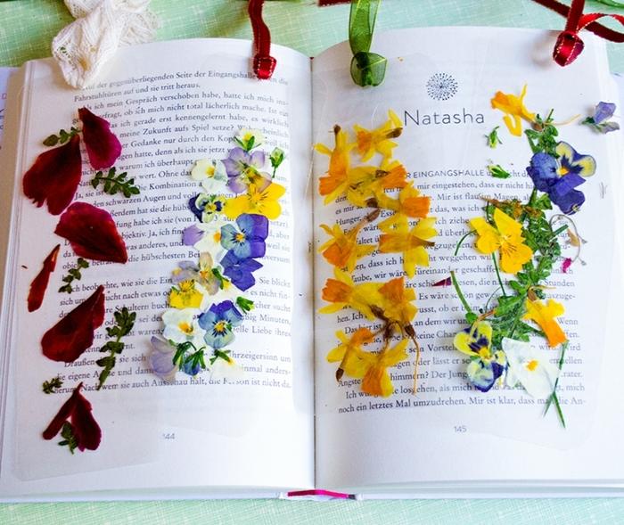 como hacer marcarpaginas originales con flores secos paso a paso, ideas DIY para hacer en casa