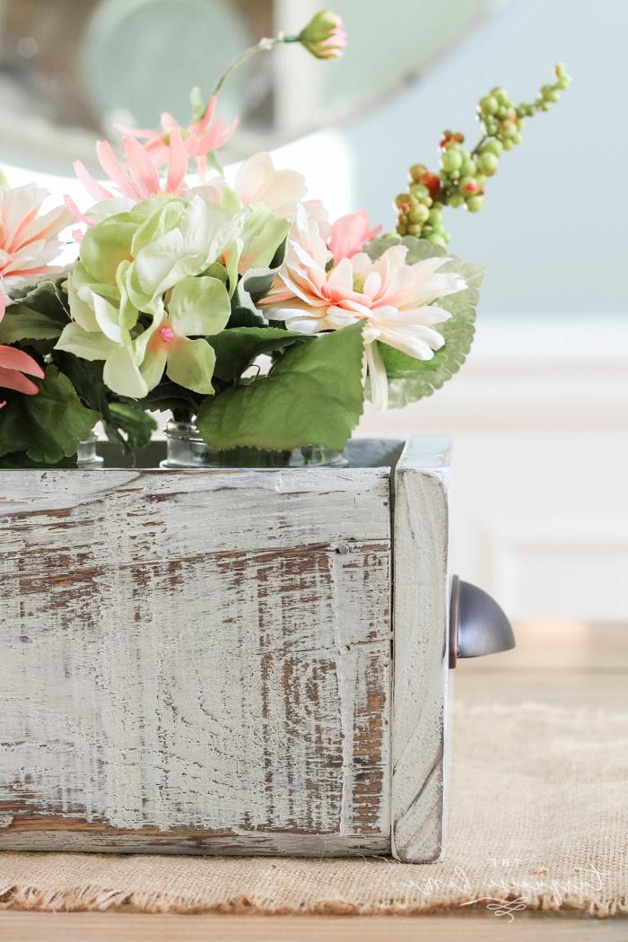 ideas de manualidades faciles de hacer para decorar la casa, centro de mesa DIY hecho de madera