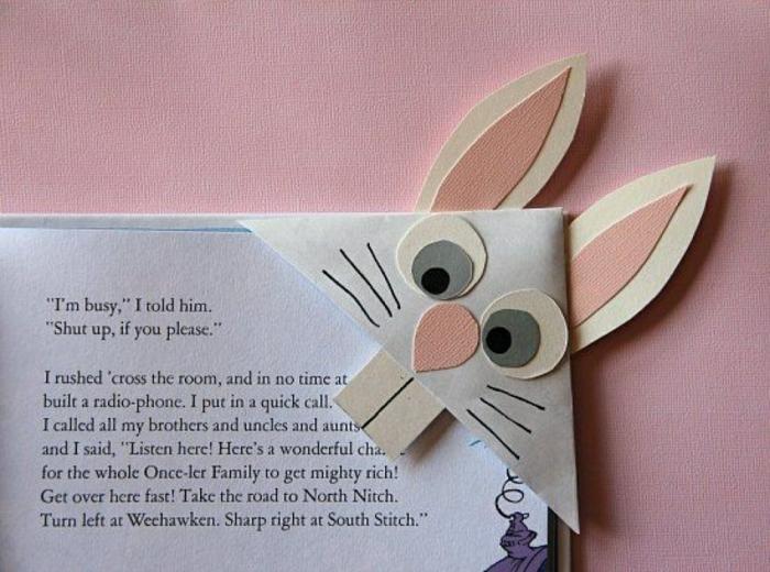 manualidades originales hechas a mano, conejo hecho de papel para marcar páginas
