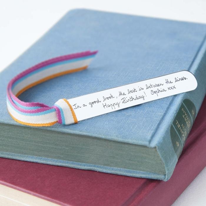 separadores de libros caseros con mensaje especial, manualidades para regalar bonitas ideas