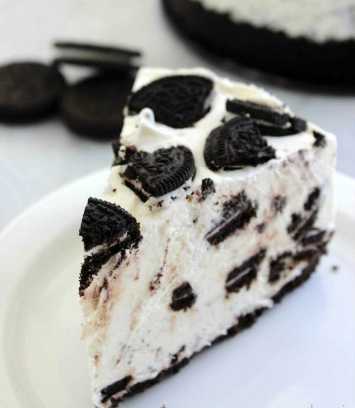 cuáles son los ingredientes tarta de queso básicos, preciosa tarta de queso sin hornear con galletas oreo