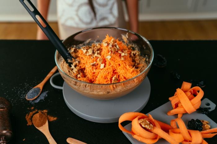 recetas caseras de postres paso a paso, pastel de zanahorias esponjoso, ideas sobre como hacer un bizcocho paso a paso