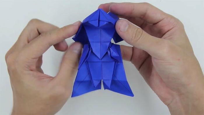pequeñas figuras DIY hechas con papel, Darth Vader en origami, ideas divertidas y originales papiroflexia para niños