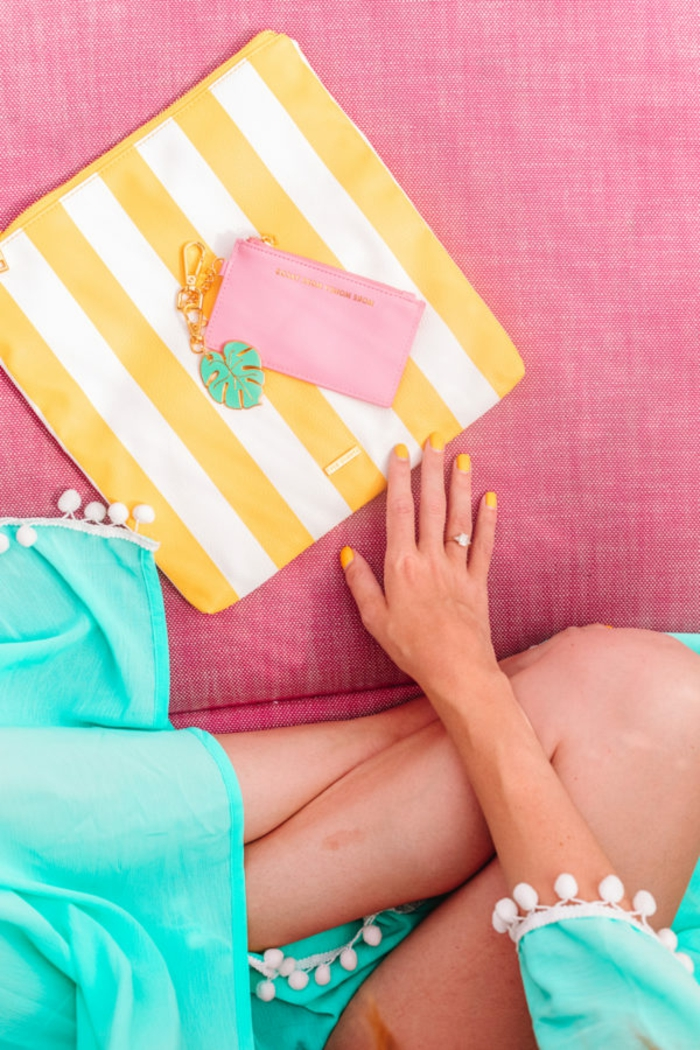 manualidades faciles y originales para el verano, bolso con decoración DIY para ir a la playa
