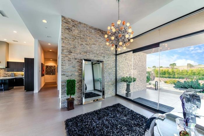 recibidores de casas que enamoran, grande recibidor con ventanales y bontia vista, suelo de parquet