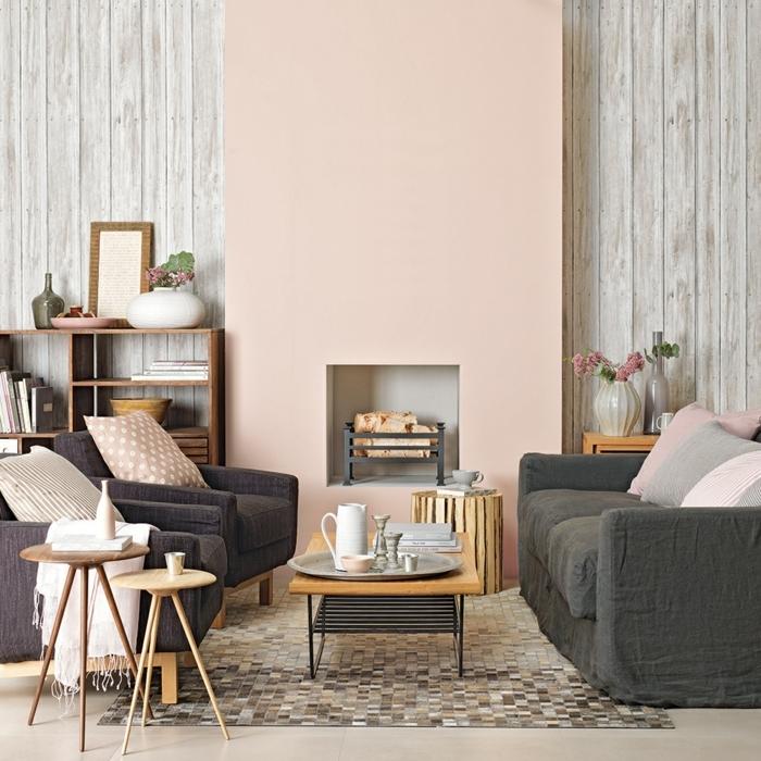 decoracion salon pequeño, alfombra de cuadros en el suelo, sofá en negro, sillones en negro