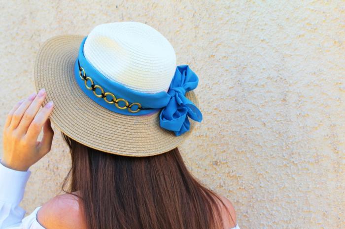 manualidades caseras para hacer en verano, como decorar un sombrero de verano de maravilla