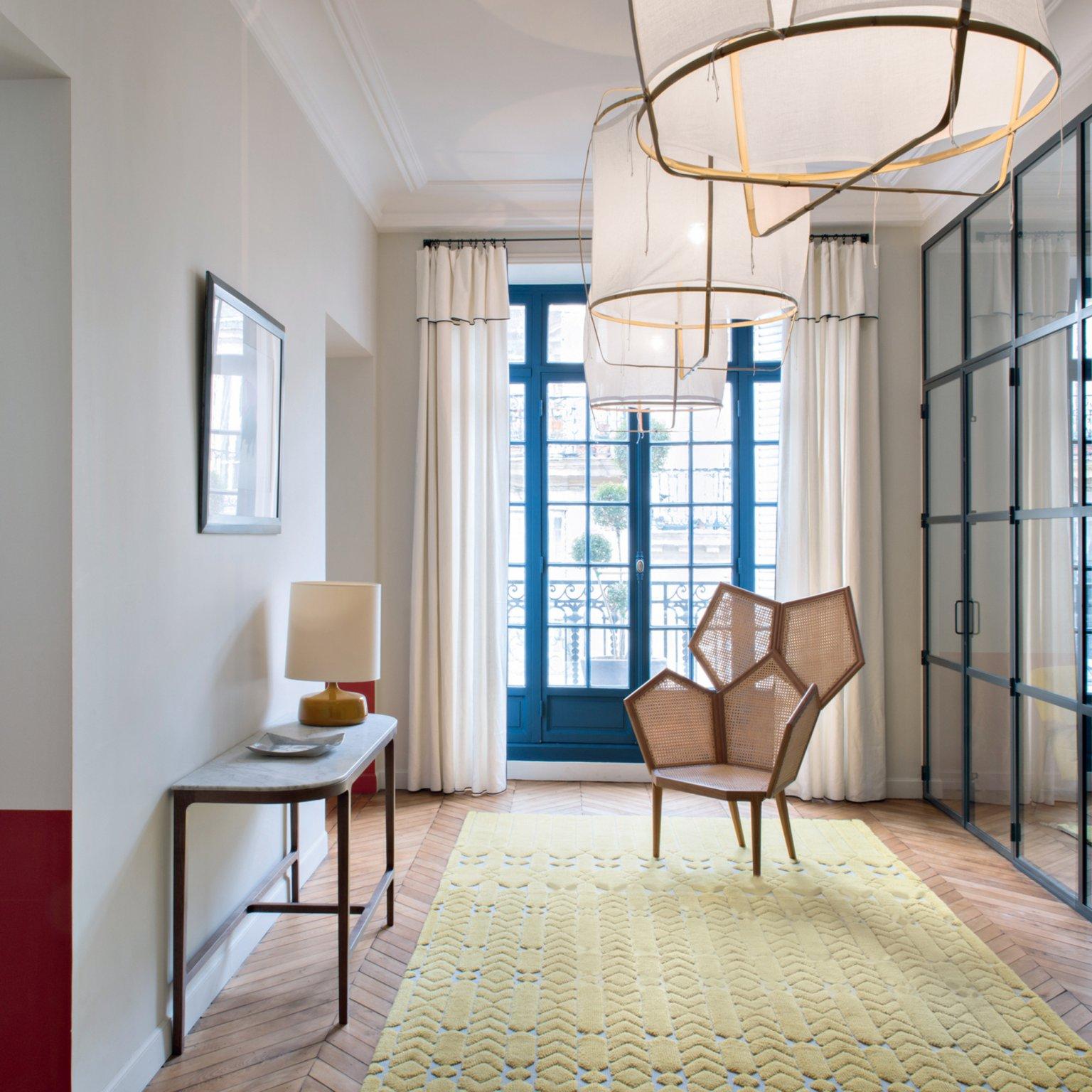recibidores modernos tendencias en la decoración 2018 2019, recibidor grande con alfombra en beige