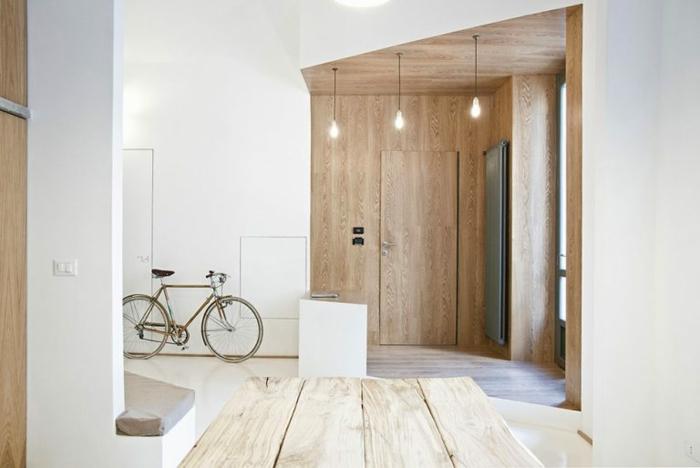 entraditas pequeñas decoradas con encanto en estilo minimalista, bombillas colgantes, decoración en colores claros