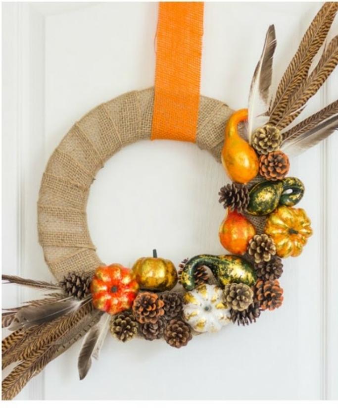 preciosa guirnalda DIY con piñas en estilo rústico, manualidades otoño para decorar la casa