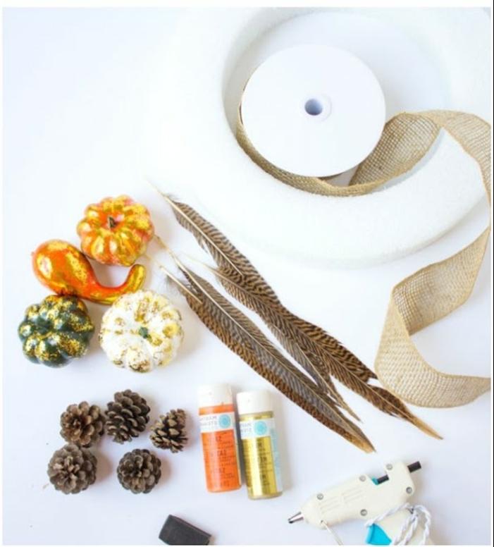 manualidades otoño en estilo rústico, guirnalda DIY con piñas, materiales necesarios y tutorial paso a paso