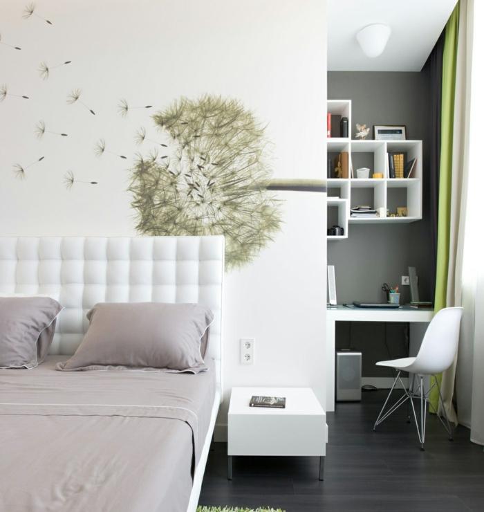 habitaciones juveniles, paredes en verde y blanco con cama con cabecera alta de cuero blanca