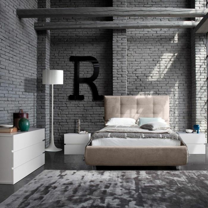 habitaciones juveniles niña, alfombra gris con suelo de mármol, paredes con ladrillos grises, letra R