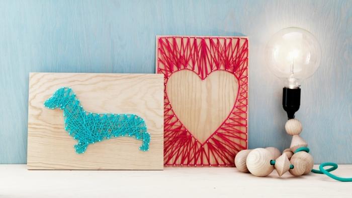 ideas para regalar a una amiga, placas de madera con dibujos hechos de hilos de colores con clavos