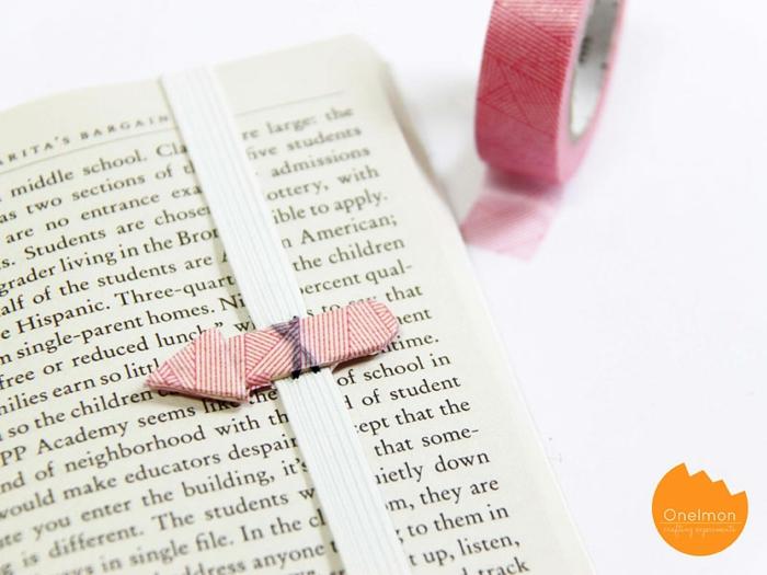 ideas originales sobre como hacer marcarpaginas de materiales reciclados, separadores de libros con palillos de helado
