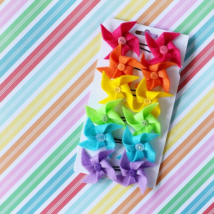 como hacer manualidades para los pequeños, brochas en forma de mulinillos hechas de fieltro