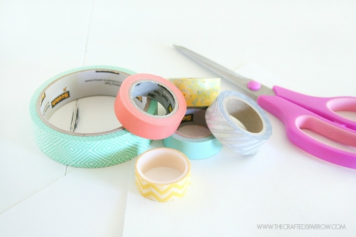 ideas de manualidades originales con washi tape, cuadro decorativo DIY para adornar la pared