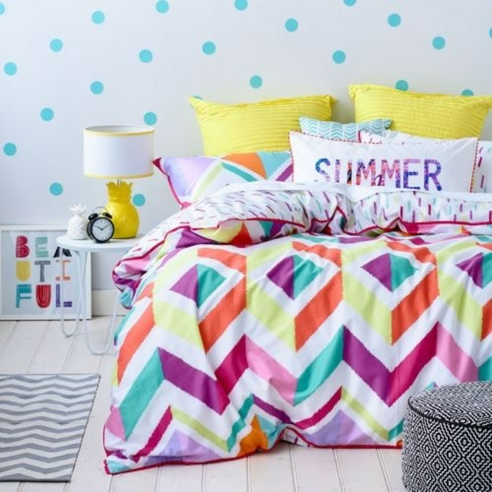trabajos manuales desde casa, ideas de manualidades para decorar el hogar, almohadas de verano